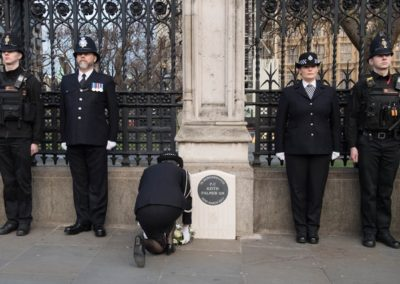 police officer laying a wreath at the pc keith palmer gm memorial 1